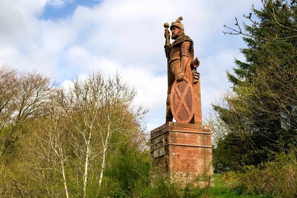 william-wallace-statue-bemersyde-estate-melrose-2