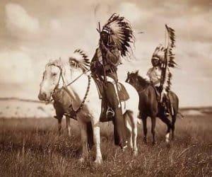 guerreros apaches a caballo